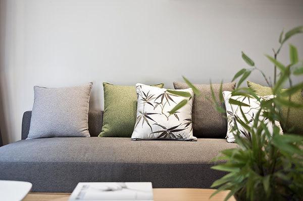 如何在起居室放沙发,并看看客厅沙发有什么摆放技巧