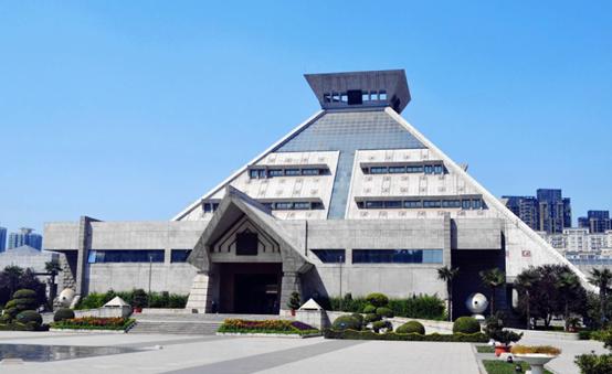 河南博物院.