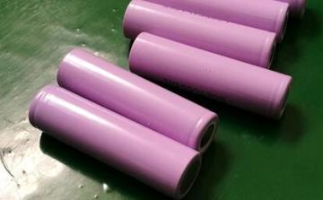 3.7v cylindrical lithium battery cells图片展示