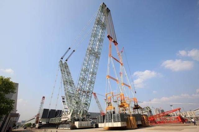 3200吨履带吊