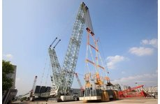 超大吨位履带吊进入MAIDE IN CHINA