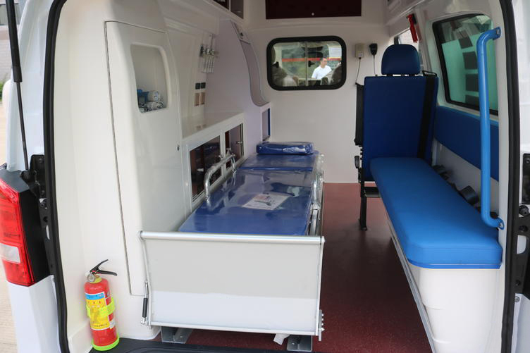 奔驰120运送型救护车