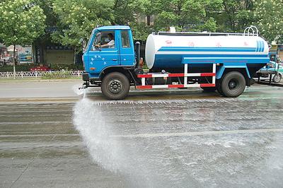 上海冲洗路面洒水车服务