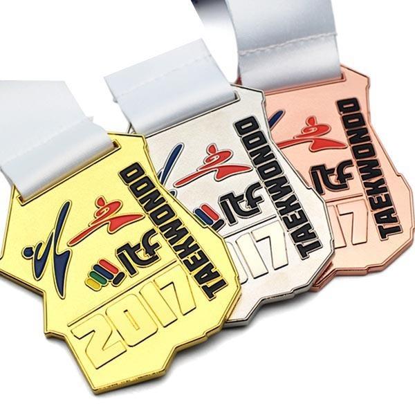 Cheap-Custom-Gold-Skiing-Winter-Sport-Medal (1)
