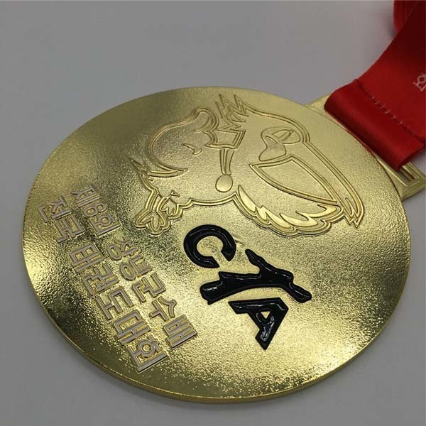 Free design cheap custom zinc alloy metal sports medal