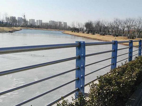 不锈钢管在河道护栏中的应用