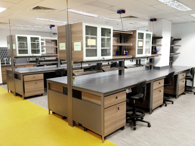 上海德翔实验台厂家为中国药科大学定制的钢木实验桌