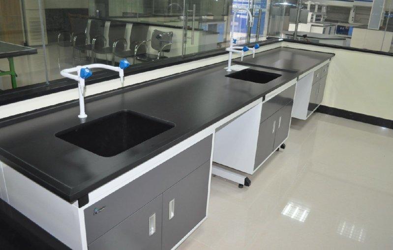德翔实验台厂家为医院设计的钢木洗涤台