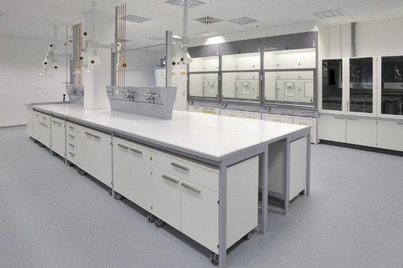 德翔实验台厂家生产的全钢操作台