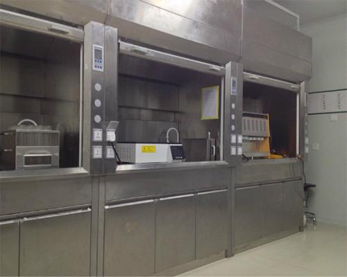 沪前公司定制的不锈钢化学品通风柜图片