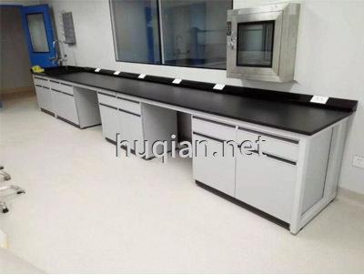 huqian公司为石油化工企业设计的钢木实验台边台