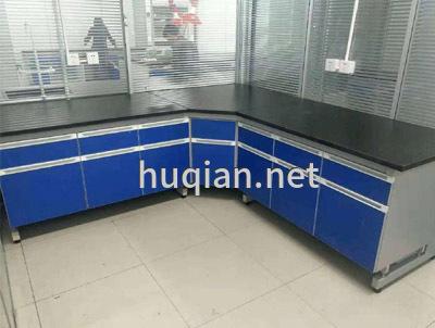 沪前实验室公司为医院生产的钢木实验台边台