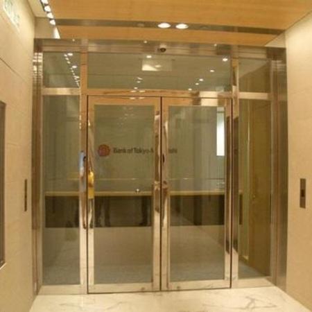 鋼化玻璃門