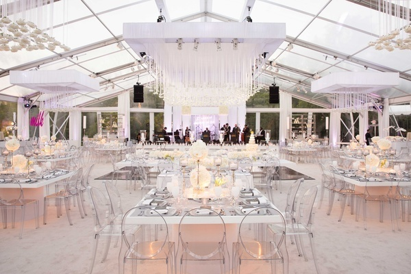 contemporary-backyard-white-wedding-under-clear-tent-in-chicago-cheap-wedding-venues-in-chicago-suburbs