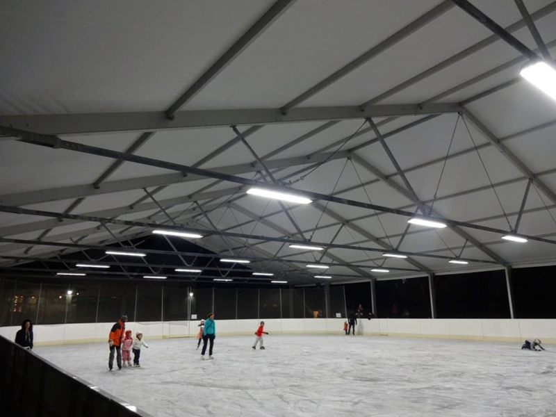 Sports tent for skating