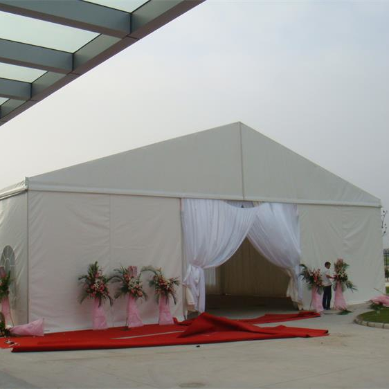 How to calculate the area of the wedding tent