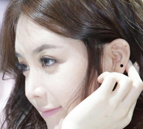 女人耳朵有痣代表什么?快来看看