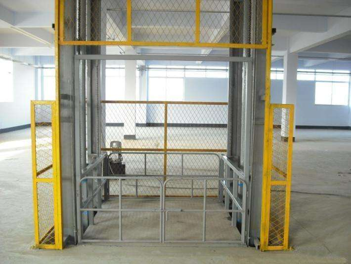 Hydraulic lifting elevator operating procedures