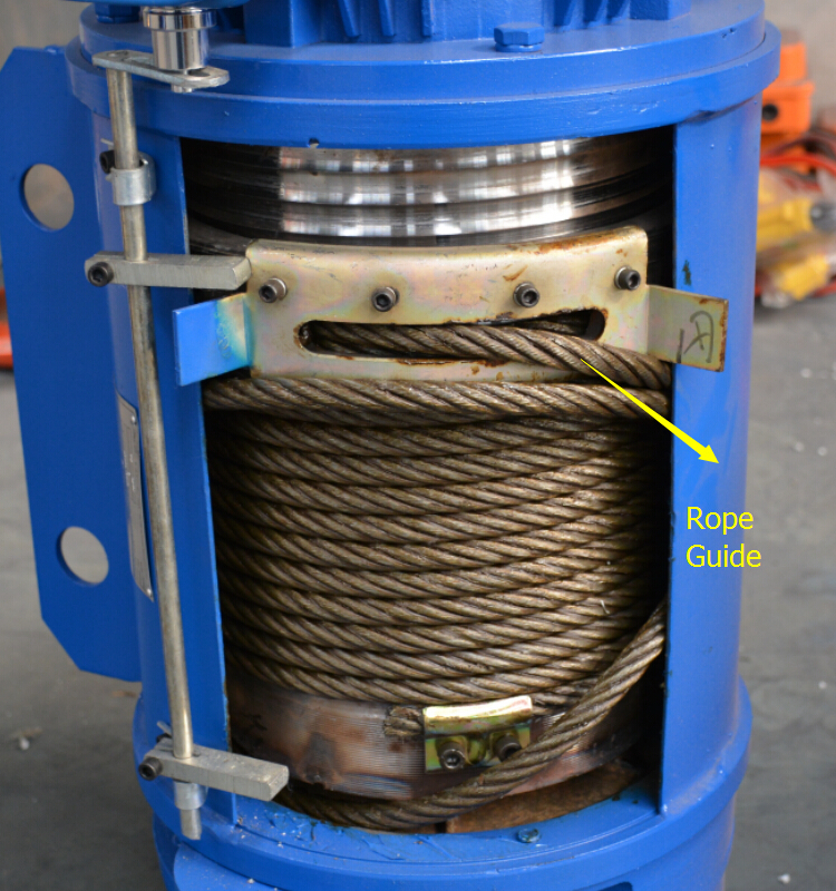 Rope guide for wire rope electric hoist
