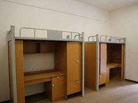 四人间公寓