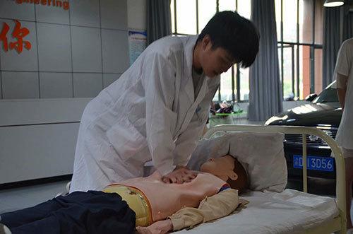 男护士实训