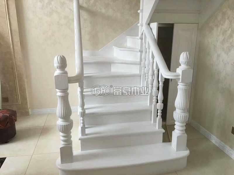 白色櫸木實木樓梯