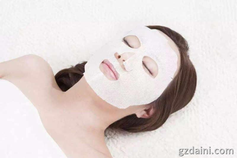 敷面膜如何可使皮肤吸收得更好,面膜代加工教你几招
