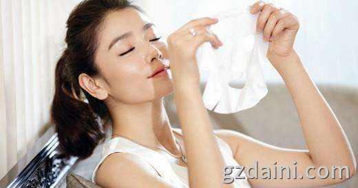 广州医用面膜oem:如何利用面膜来修复损伤皮肤