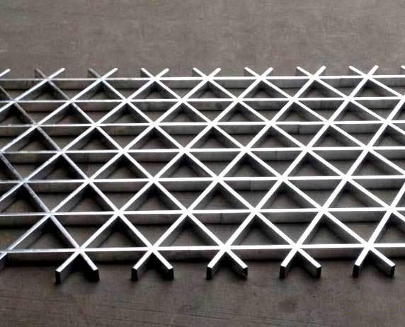三角形铝格栅