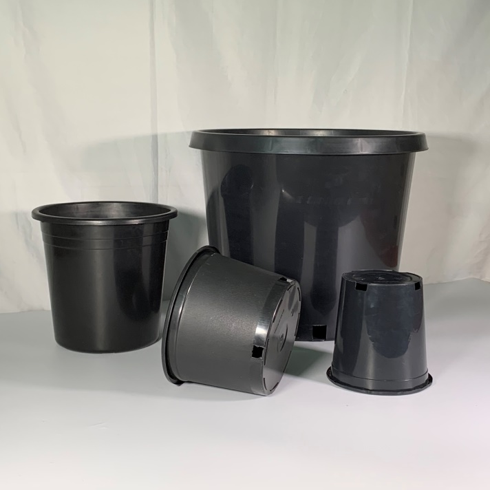 Black Plastic 5 Gallon Nursery Plant Container