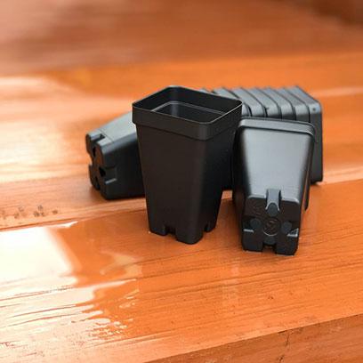 Cheap 2.5 Inch Square Plastic Pots Manufacturer