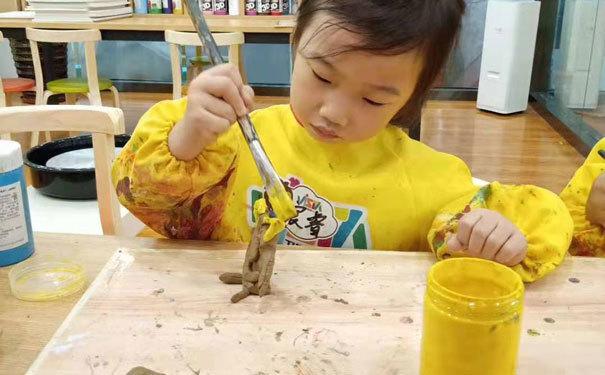 卫斯塔论儿童泥塑教育的重要性-培养空间立体感