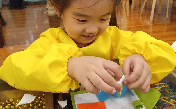 选择做一家儿童美术加盟机构,这几点注意事项往往不容忽视