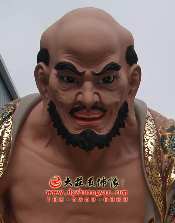 宾度罗跋罗哆尊者彩绘塑像正面近照