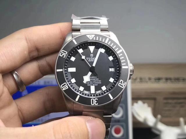 N厂高仿手表时间准确吗 要注意保养和维修