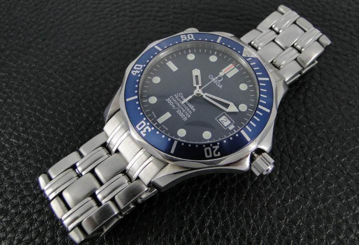 假冒手表那么多,我们应该用什么方法来区分欧米茄手表真伪呢?