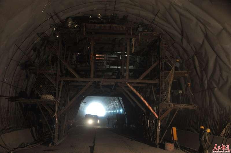 防火隧道板施工