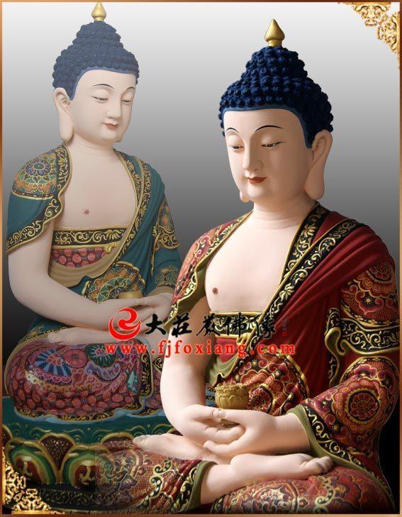铜雕三宝佛侧面塑像实拍图