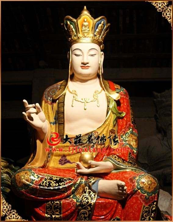 地藏王菩萨铜像正面近照彩绘像