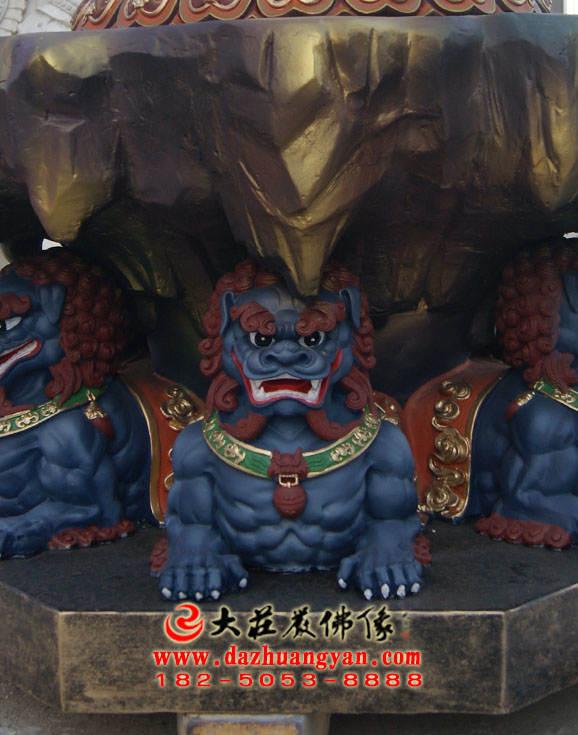 青面狮彩绘铜像特写