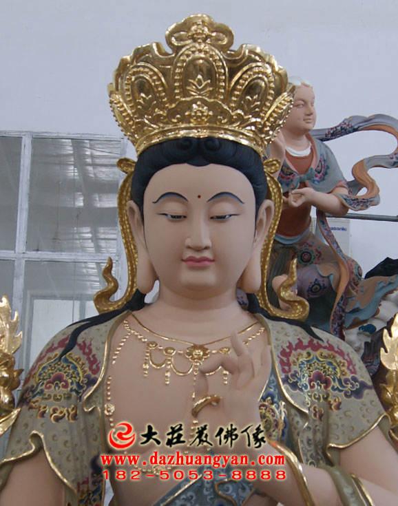 铜像彩绘智慧文殊菩萨正面近照塑像