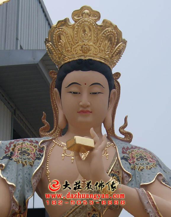 铜像聪明文殊菩萨正面近照彩绘塑像