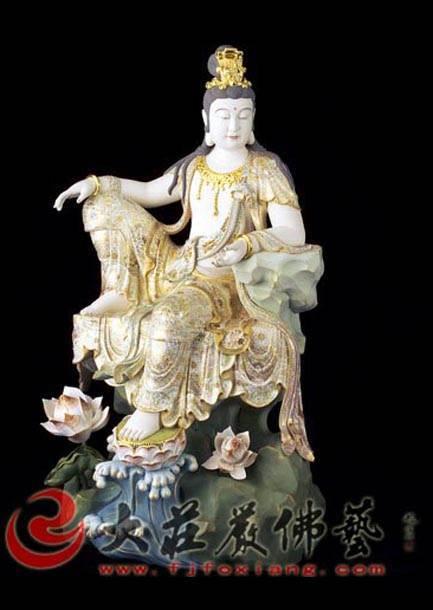铜雕观音彩绘描金青颈观音塑像