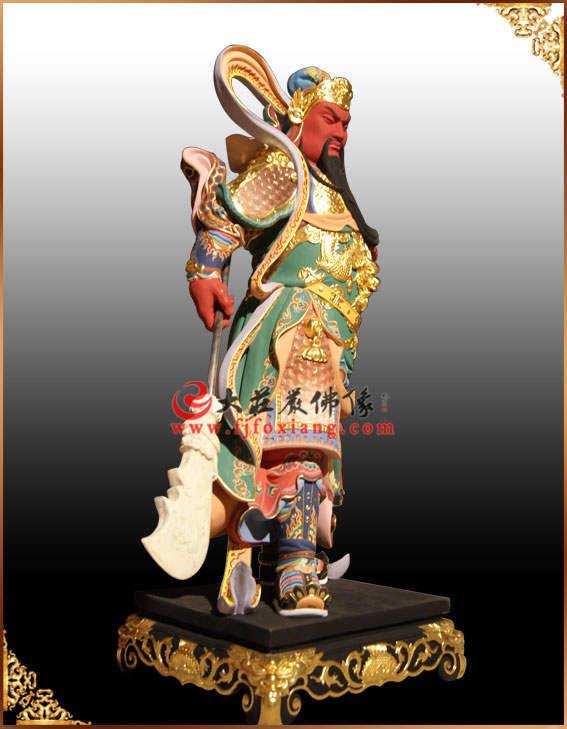 铜雕彩绘侧面关帝圣君