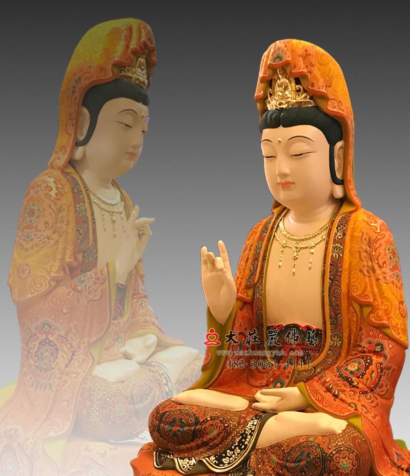 铜雕观世音菩萨侧面近照彩绘像