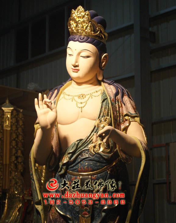 铜像彩绘八大菩萨之金刚手菩萨侧面近照
