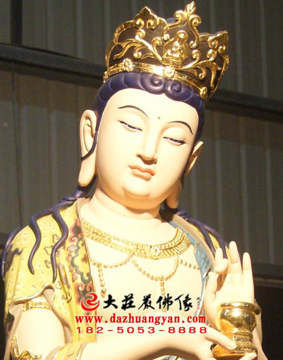 铜像八大菩萨之地藏菩萨彩绘佛像特写