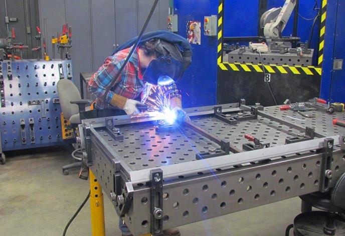 多功能三维柔性焊接平台