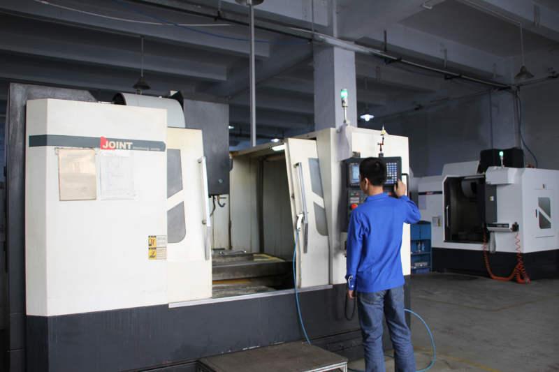 深圳精密机械加工厂家设备