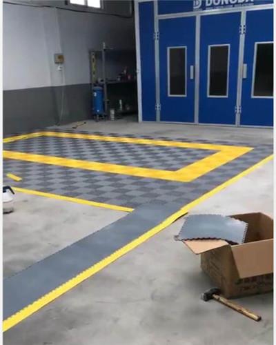 顺达官网代理PVC软地砖的铺装方法: